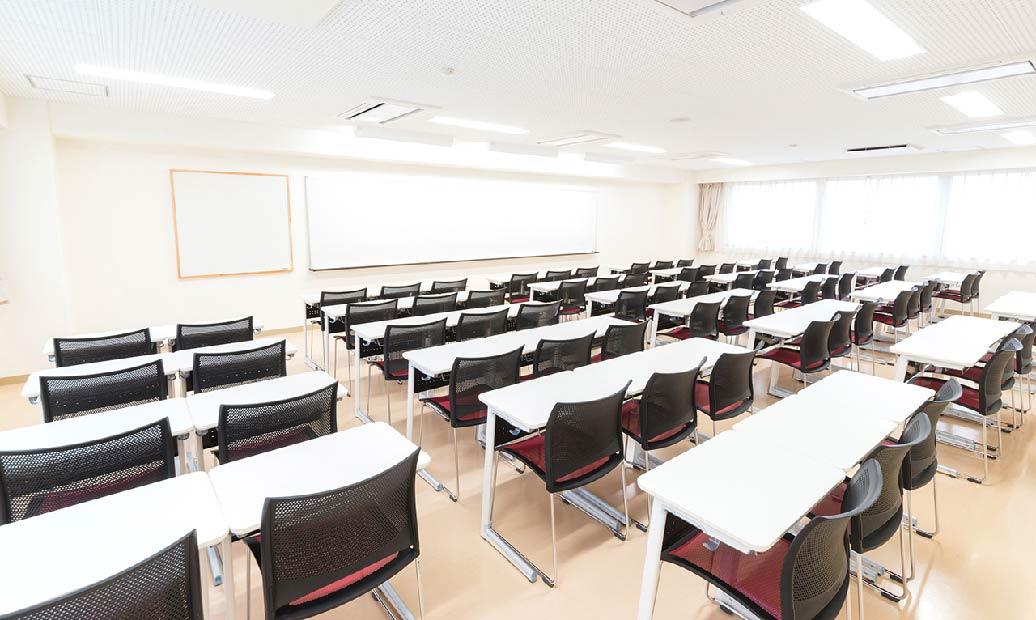 日本こども福祉専門学校の講義室